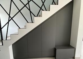 Agencement sous-escalier et dressing