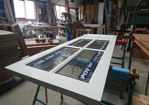 Portes d'intérieur en hêtre massif avec vitraux